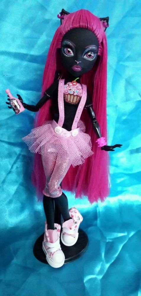 Monster High Custom Catty Noir Street Style 13 Wunsche Ooak Unikat Ooak Puppe In Spielzeug Ebay Monster High Crafts Monster High Dolls Monster High Custom
