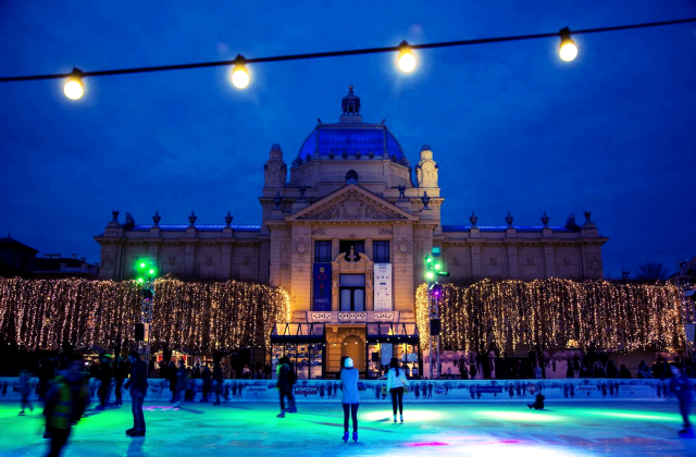 Gorgeous Pictures Of Christmas In Zagreb Croatia Show Why It Was Named Best European Holiday Destination Christmas Markets Europe Zagreb Christmas Market