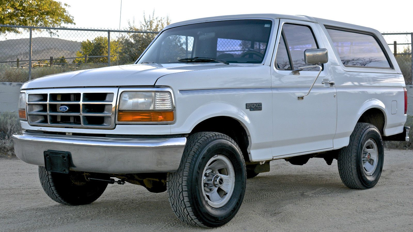 1994 Ford Bronco Xl Sport Utility 2 Door Ford Bronco Bronco Ford