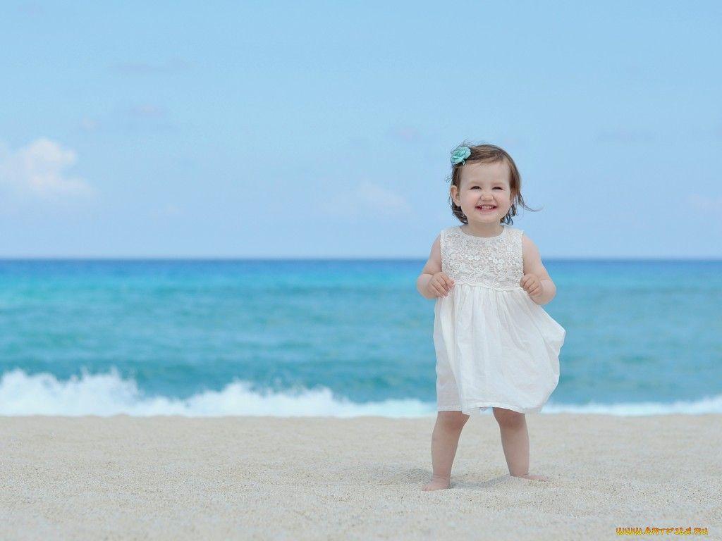 Beach Babies 女の子の壁紙