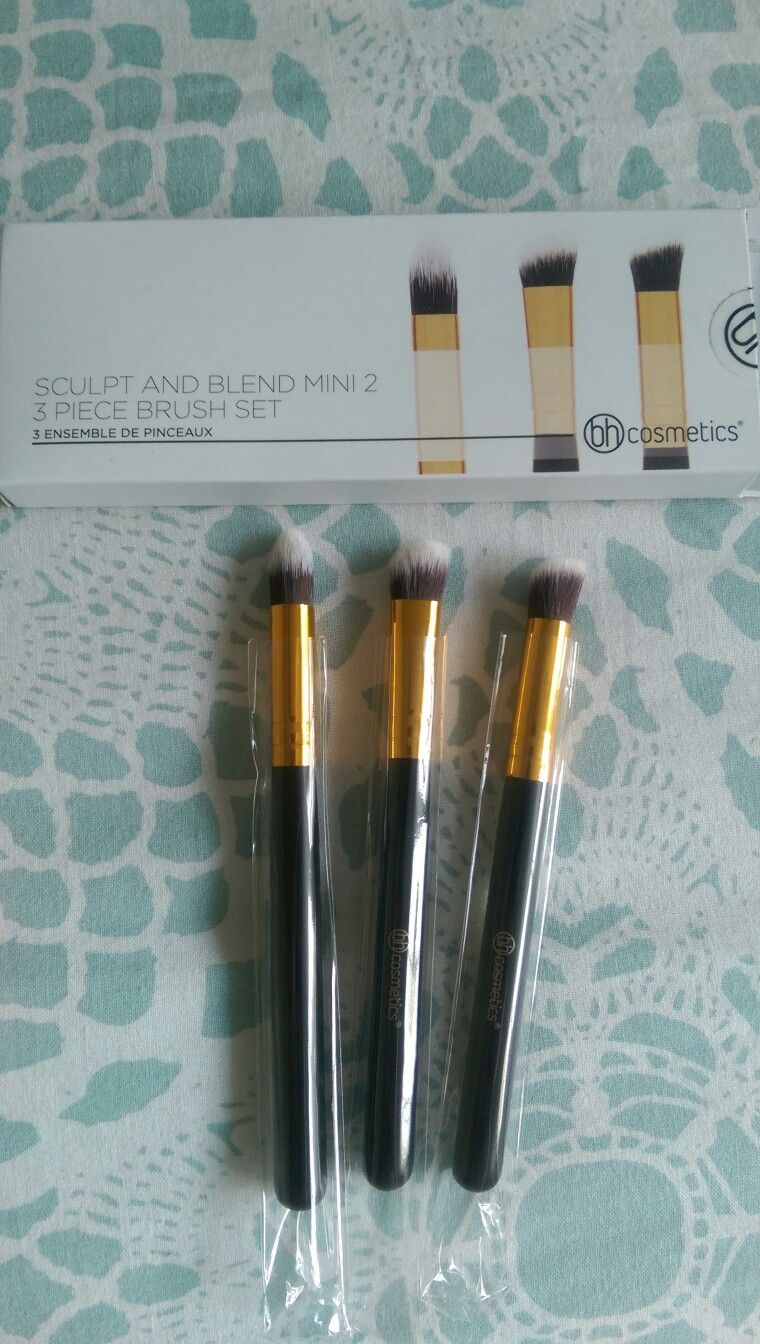 f9db5a5b6253 SWAPPED (Hannah Frankenberger) BH Cosmetics Sculpt   Blend Mini 2 Brush Set  - BN