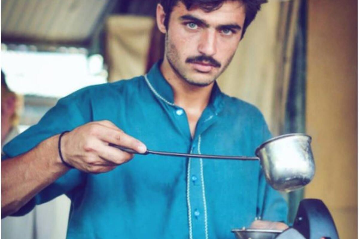 Pakistani Chai Wala Turns Model After Finding Fame -8606