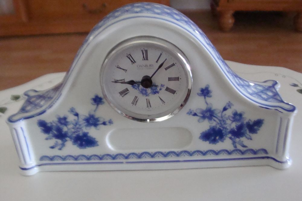 Danbury Clock Company Quartz Desk Size Mantle Clock Blue White