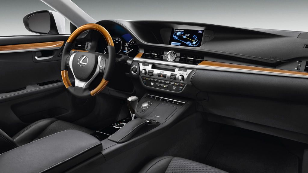 Es 300h Es 300h Shown In Available Black Leather And Bamboo Trim With Ultra Luxury And Navigation System Packages Lexus Es Luxury Sedan Lexus