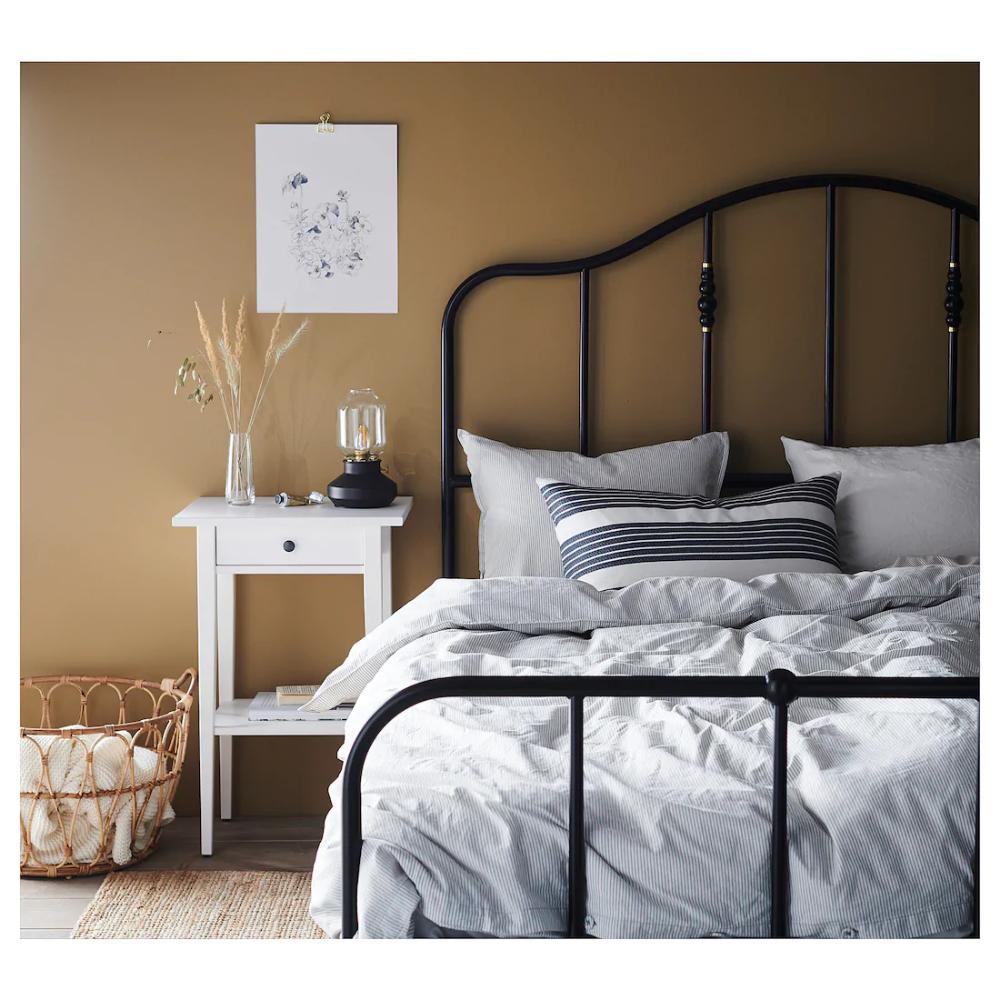 Literie De Luxe Suisse mettalise cushion cover - white, dark gray en 2020   draps