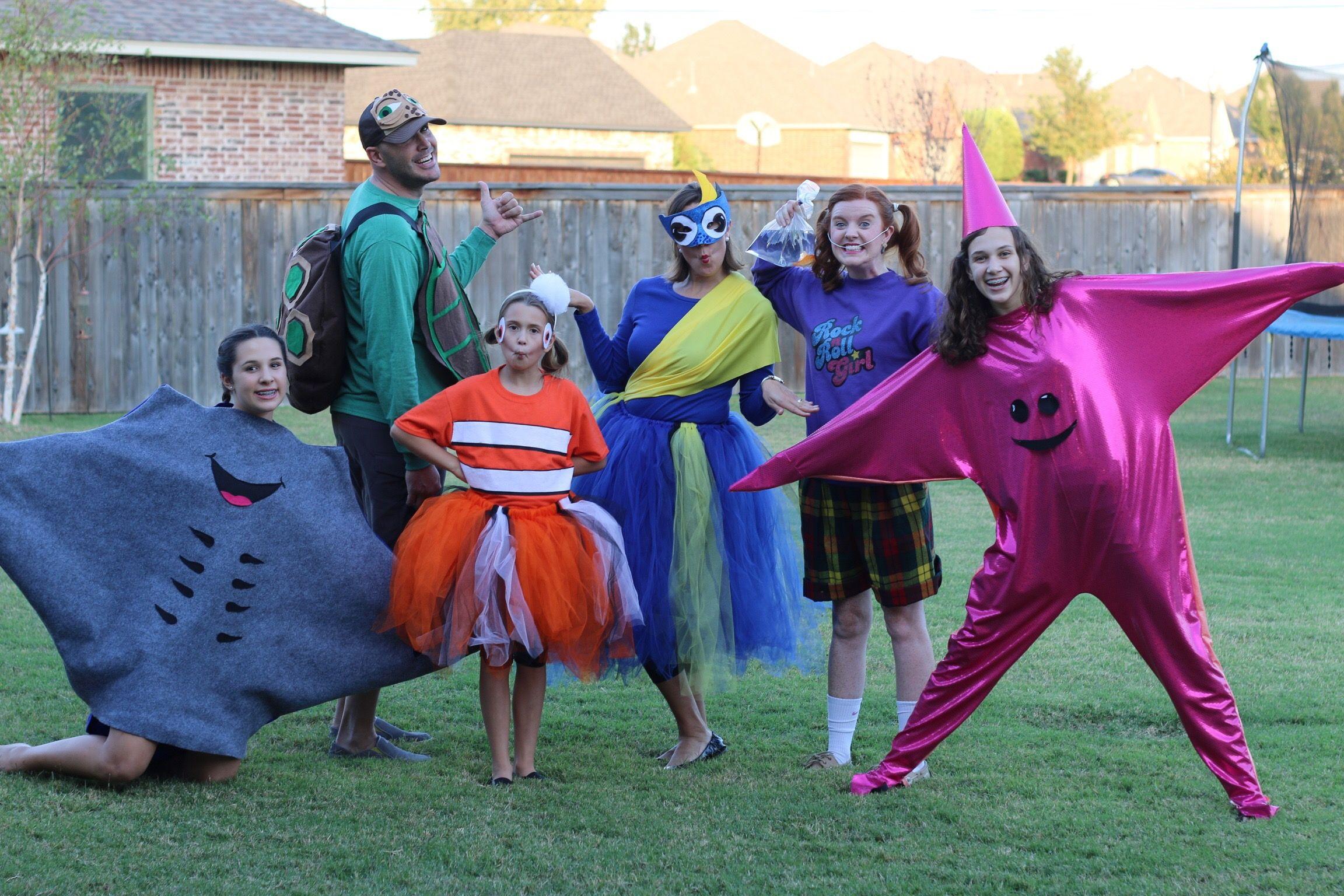 Finding Nemo Halloween Costumes!  sc 1 st  Pinterest & Finding Nemo Halloween Costumes! | Halloween Costumes | Pinterest ...