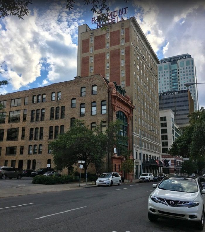 The Redmont Hotel Located In Heart Of Downtown Birmingham Opened 1925 Making It Oldest Operating Alabama This Historic Stands