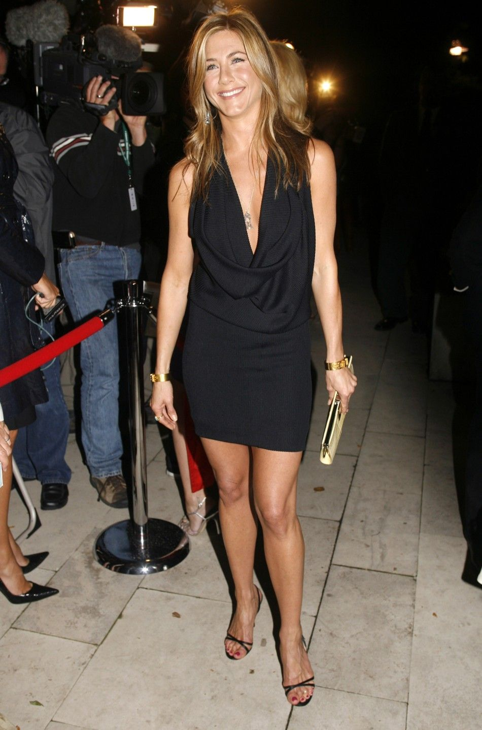 Jennifer Aniston Wedding: No Dress Yet And Valentino Rumors False ...