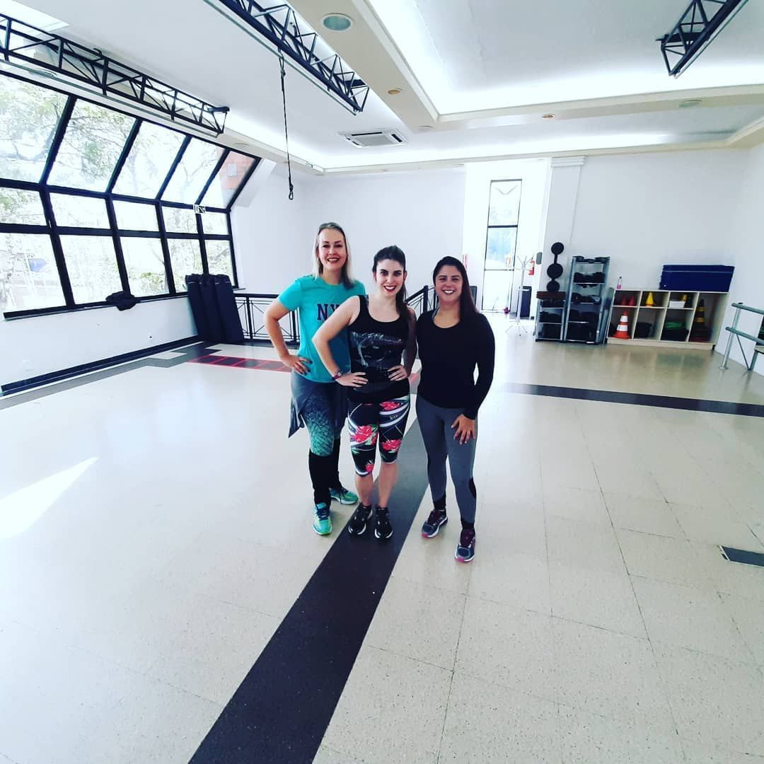 Sabadou Dana #dancer #dana #movimento #ritmos #ginastica #academia #fitdance #fitness #diverso #Show...
