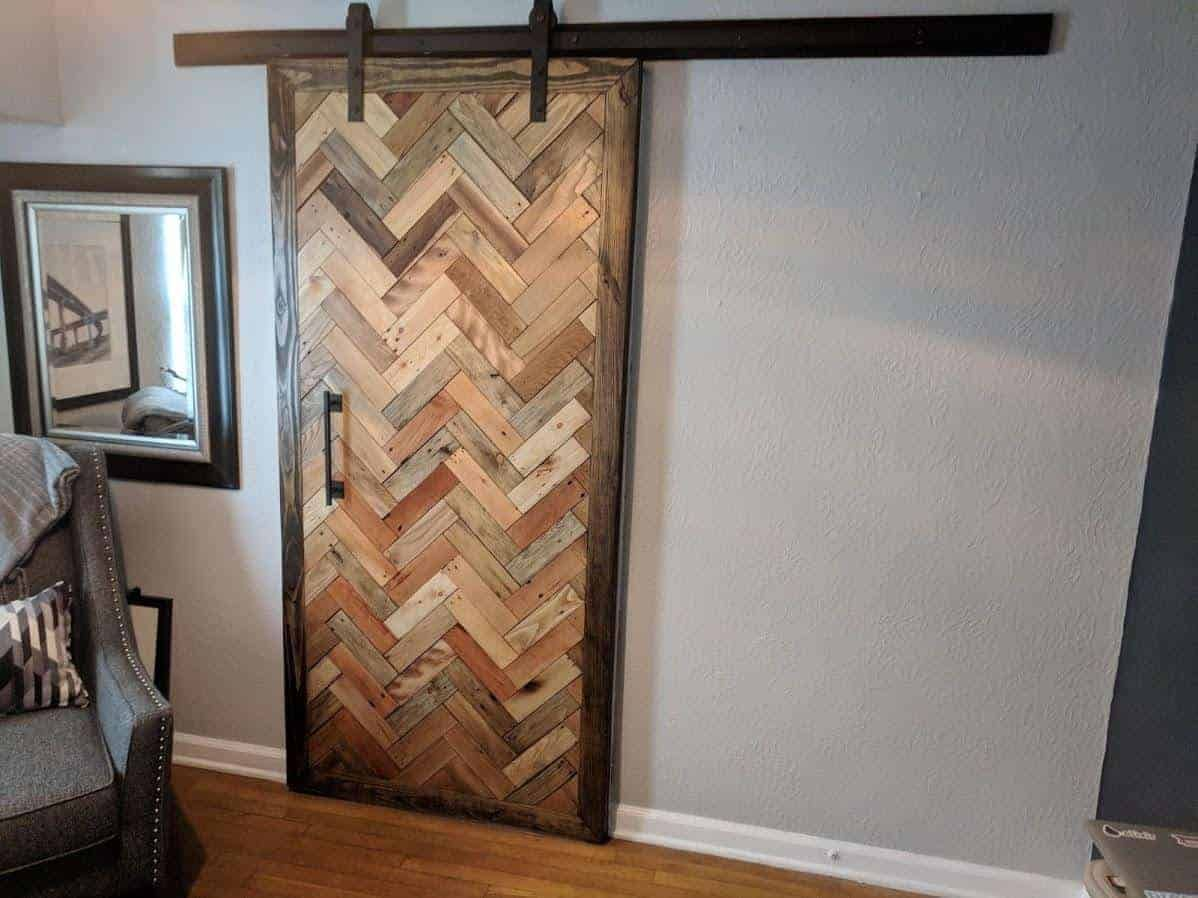 10 Pallets Double-sided Herringbone Barn Door (With images ...