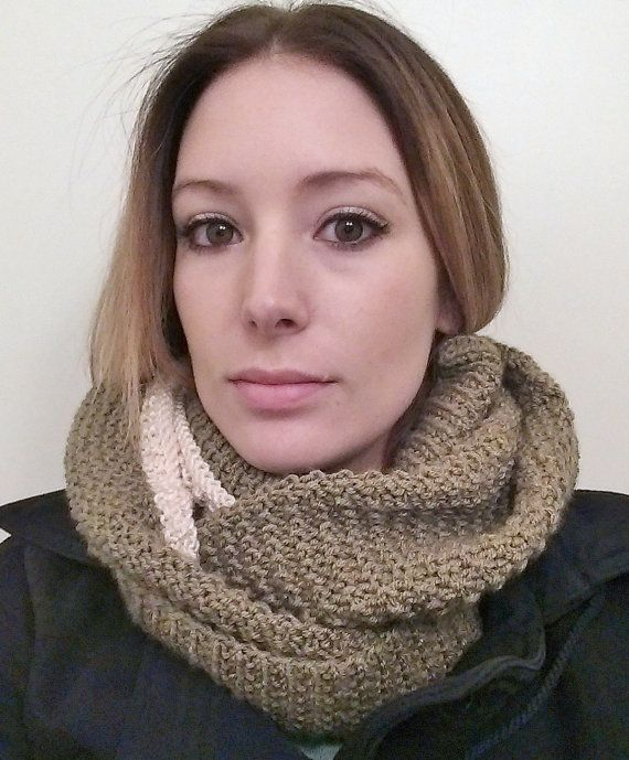 Easy Knit Cowl Pattern by SaraMarieCreations on Etsy #knitting #knit #etsy #pattern