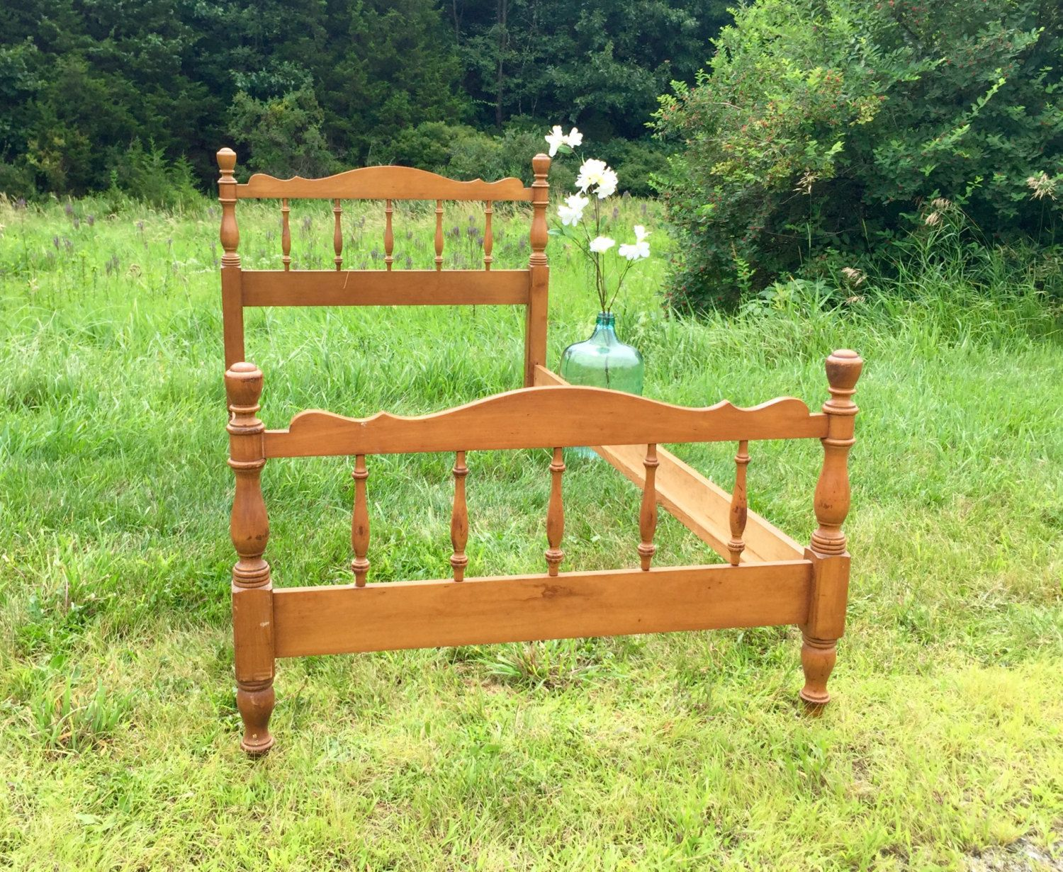 Spindle Bed, Wooden Twin Bed Frame, Twin bed frame