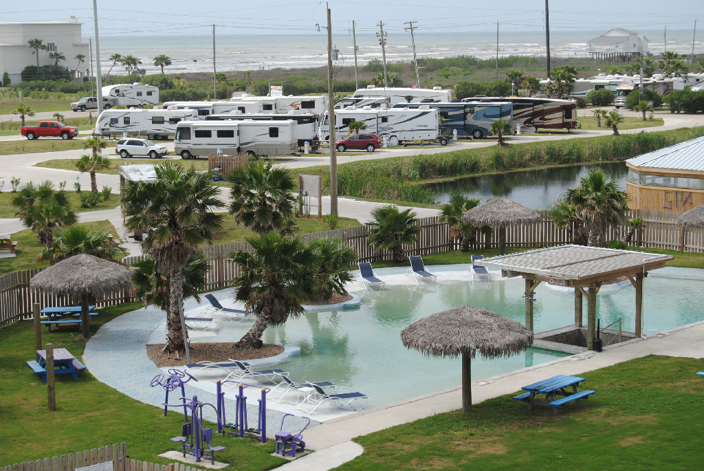 Jamaica Beach Rv Park Galveston Tx Can Rent Trailer For 345 For 4 Days Or 450 For 1 Week Plus Add Park Space Rental Jamaica Beaches Resort Vacation