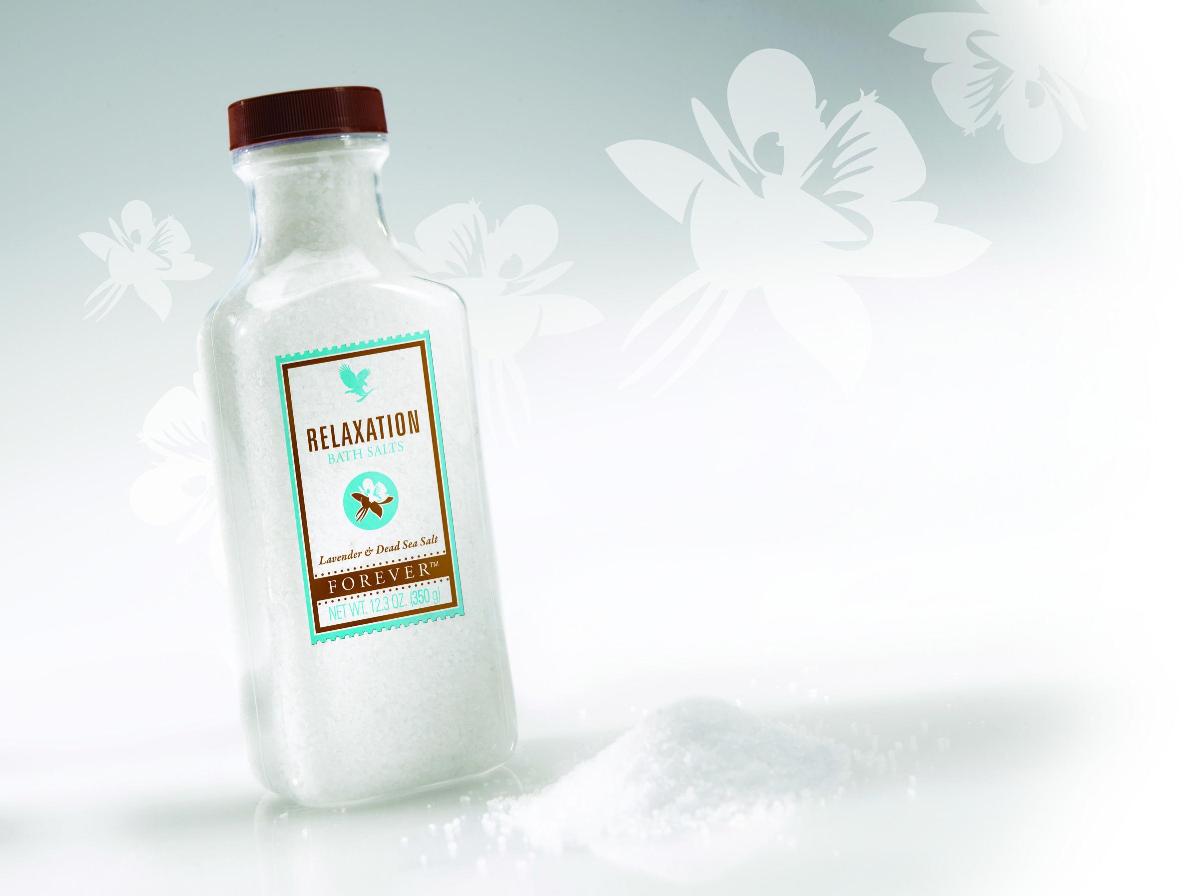 <3 Relaxtion Bath Salts - Med havsalt og essensielle oljer (lavendelolje, bergamottolje og sedertreolje).  - To spiseskjeer er nok. - Inngår i Aroma Spa Collection.