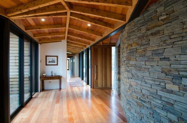 Holzdecke Laminatboden Einfamilienhaus planen bauen Glasfronten - holz decke haus design bilder
