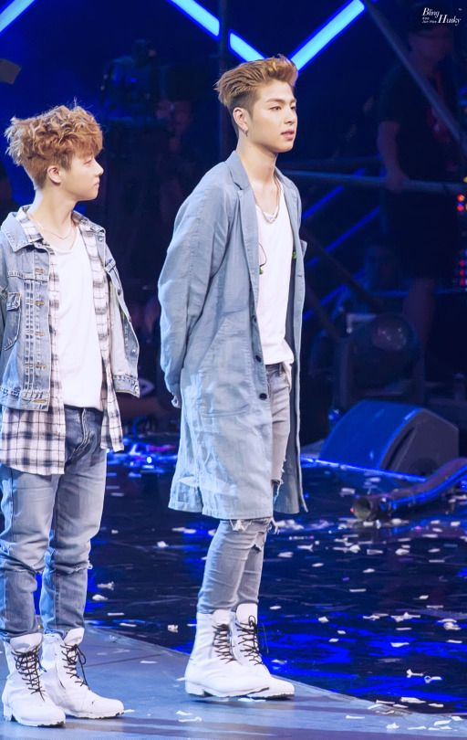 Aww Look How Small Jinhwan Is Compared To Junho Ikon Junhoe Ikon Ikon Kpop