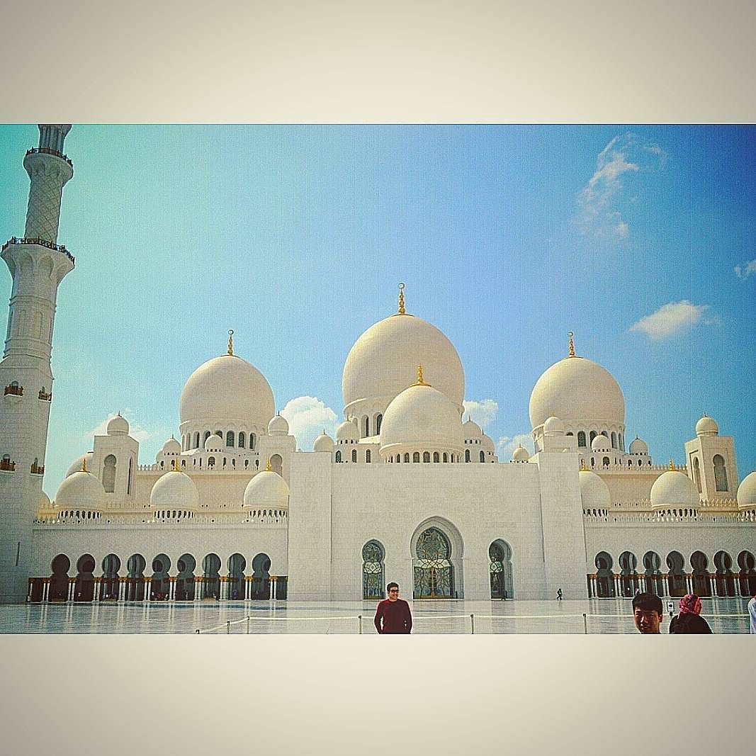 Best mosque i've ever visited may sheikh zayed's soul rest in peace ameen. Proud to be an arab muslim. A big thanks goes to the guy who photobombed my picture. Longest caption ever. #throwback #abudhabi #ad #sheikh #zayed #mosque #islam #relgion #mydubai #myabudhabi #proud #muslim #bestoftheday #instadaily #picoftheday #instagram #stopthehate by sherifashraf95