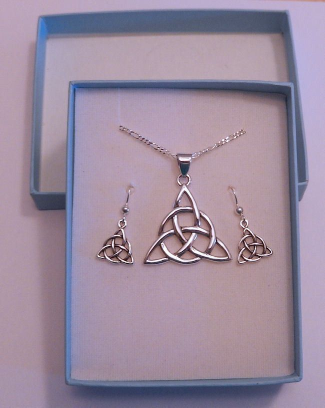 7e5636217 Celtic Trinity Knot in .925 Sterling Silver Earring Necklace Set - 18 in  chain Triquetra jewelry in Gift Box