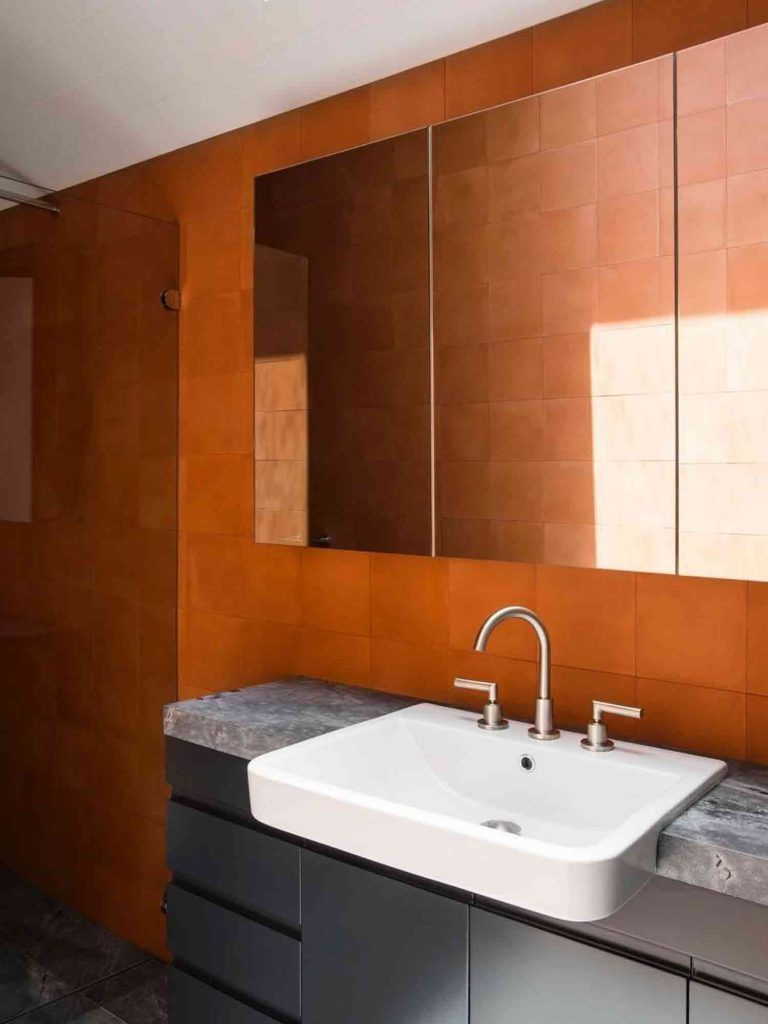 Top 6 tile trends of 2018 in 2020 Orange bathrooms