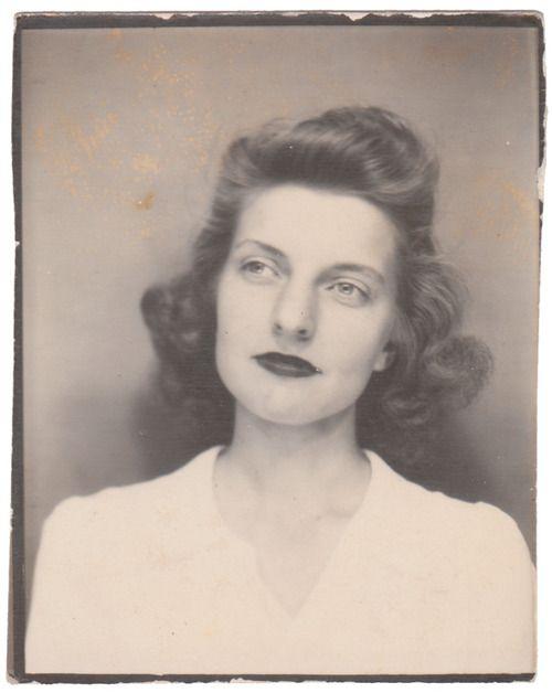 Anon., USA, 1930s  Photobooth, 2 x 1½ins. (5 x 4cm)    © Fine Vernacular Photography
