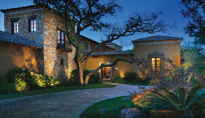 Well Placed Accent Lights In This Case Design Pro Led With Radiax Bring Out The Beauty Landscape Lighting Led Landscape Lighting Kichler Landscape Lighting