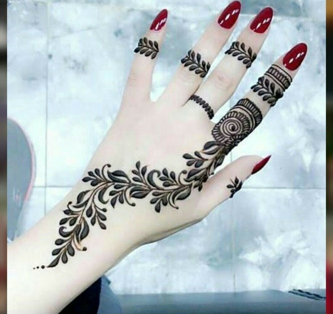 Pin By Ssara On حناء Simple Henna Tattoo Latest Mehndi Designs Mehndi Designs For Hands