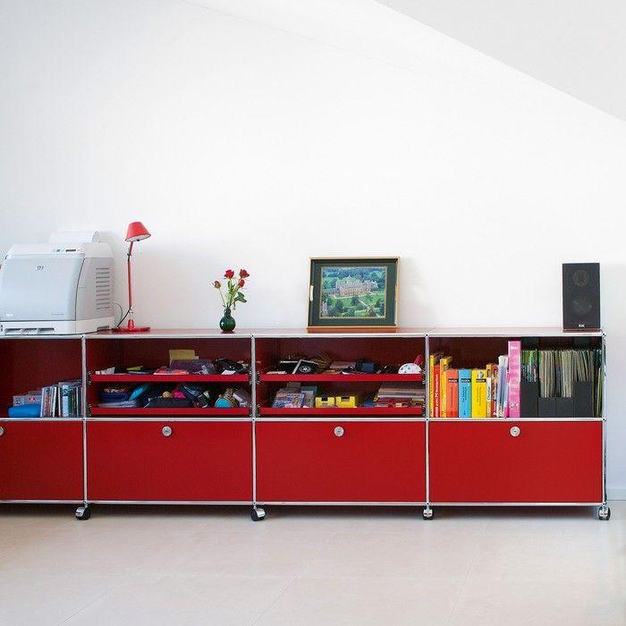 usm haller sideboard mit vier klappt ren vier ausziehtablaren und rollen im kinderzimmer. Black Bedroom Furniture Sets. Home Design Ideas