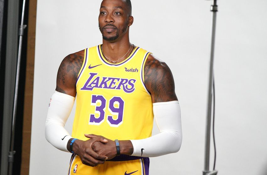 Los Angeles Lakers Are Impressed With Dwight Howard Nba Lakeshow Dwight Howard Los Angeles Lakers Los Angeles Shopping