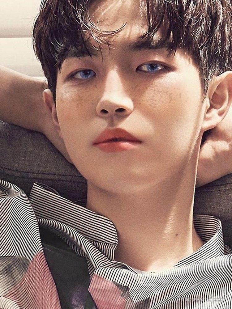 The Kpop Idol Look That Has Everyone Talking Kpop Idol Idol Kpop