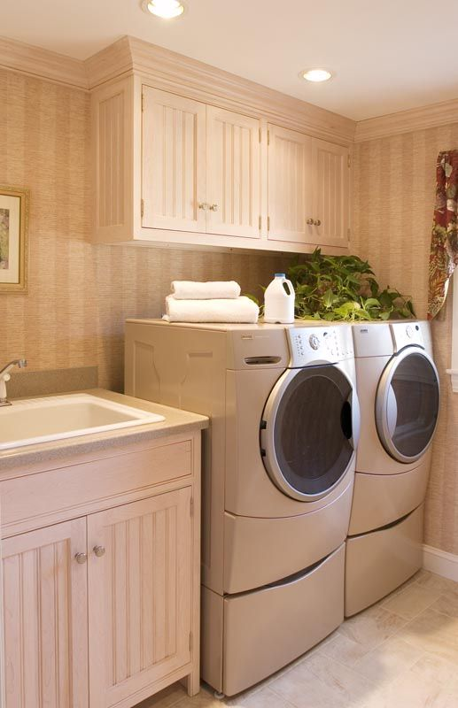 Sink W Cabinet To Left Of W D And Cabs Above W D W Molding