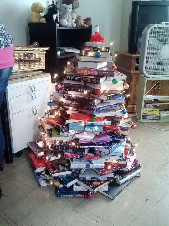 My book christmas trer