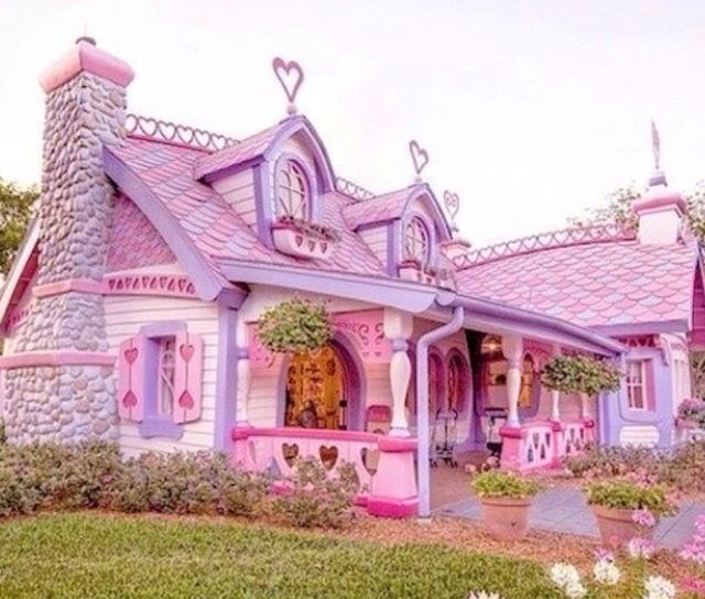 Disney Minnie Mouse dream house Mickey disney land fantasy pink ...