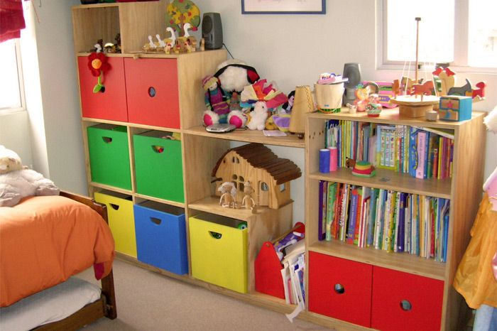 mueble escalera colores | mueble en terciado con puertas y cajones ... - Muebles Para Ninos