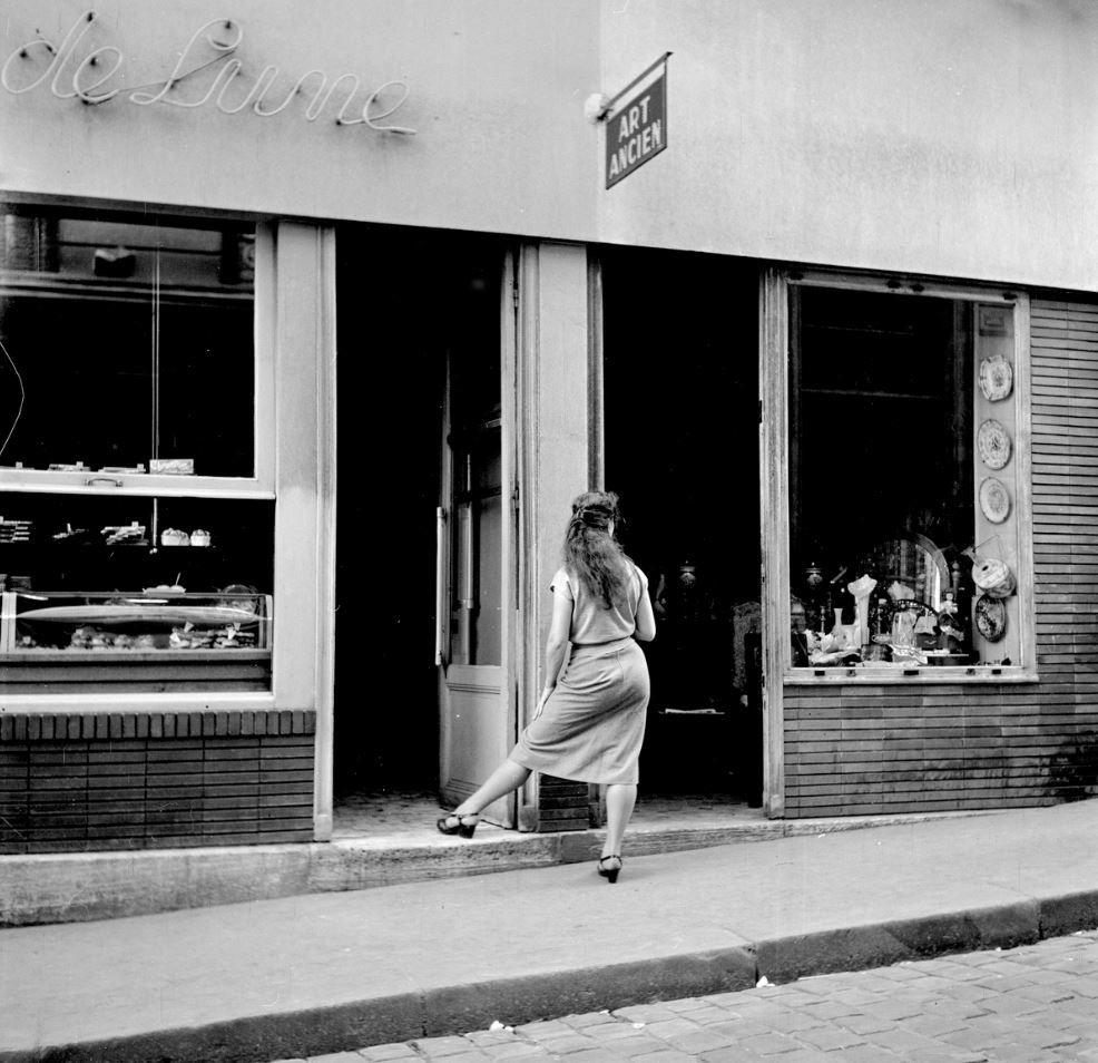 Shopkeeper+in+1949.jpg (986×954)