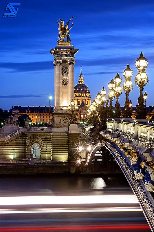 Pont Alexandre III & Les Invalides / Blue Hour, Paris, France