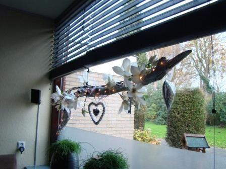 Decoratie takken voor het raam deco idee pinterest for Decoratie raam