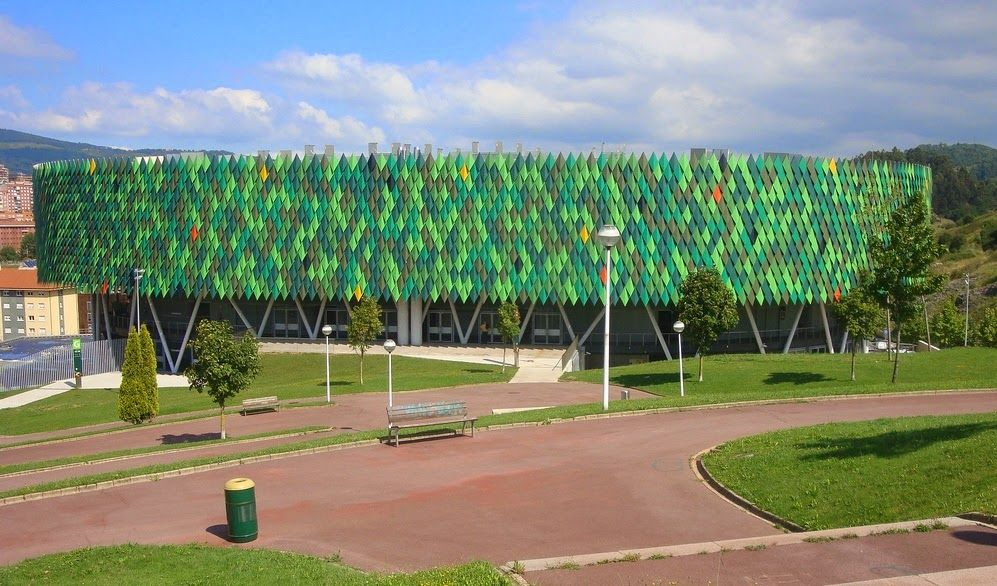 Bilbao Arena really stands out with its green facade made of diamond shaped steel sheets.