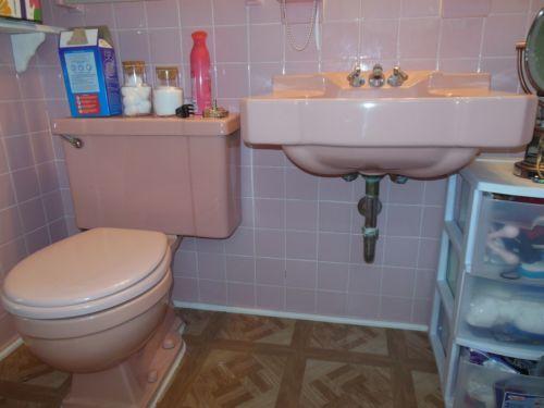 Pretty Pink Retro Bathroom Toilet Wall Sink And Bathtub Ebay