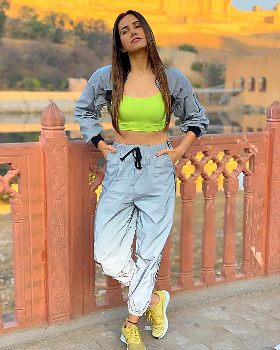 Pin By Everything On Fashion In 2020 Athleisure Fashion Style Sporty Look