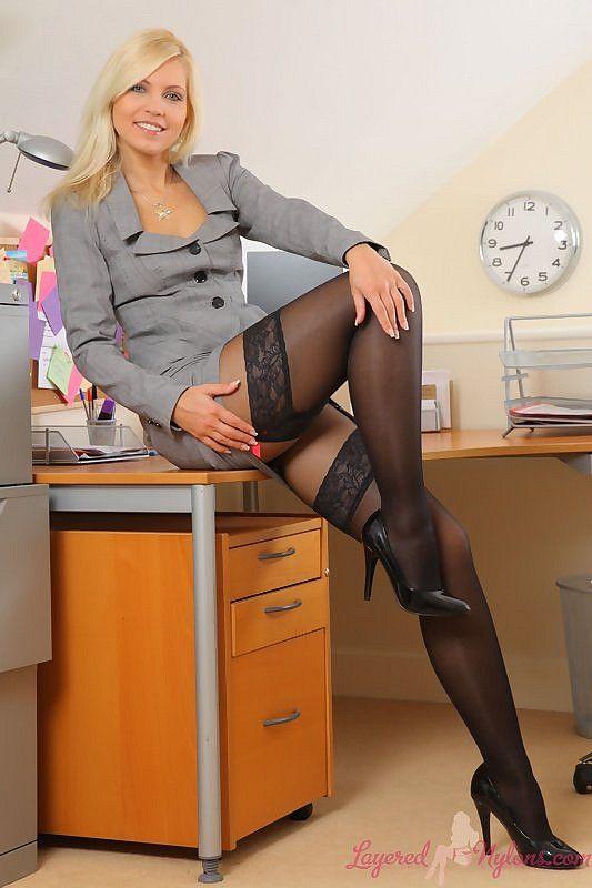 Ролики смотреть секретарши в колготках порнуха секс