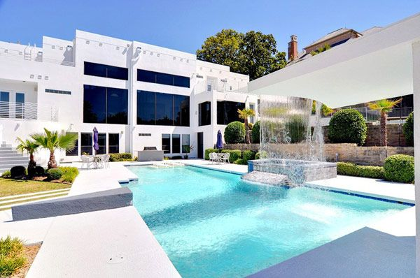 Four bedroom luxurious waterfall mansion in dallas texas for Sale moderne