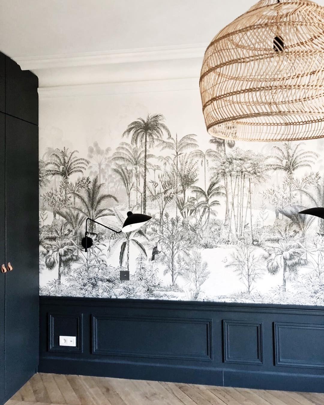 """Caroline Andréoni on Instagram: """"Projet - Wagram -  La chambre parentale terminée avant l'installation du mobilier. On adore ce magnifique papier peint de chez…"""" #chambreparentale"""