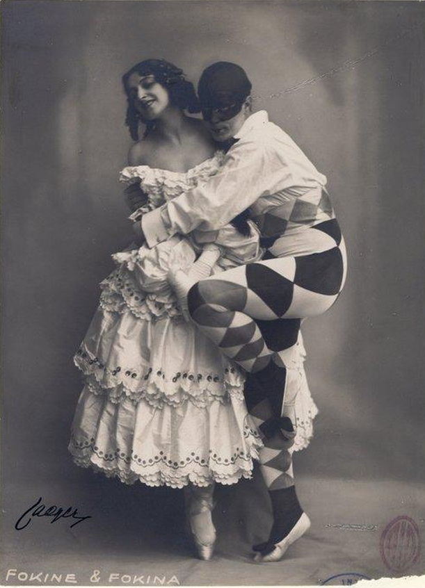 Ballets Russes: Michel and Vera Fokine as Colombine and Harlequinn for ballet Carnaval, 1910.