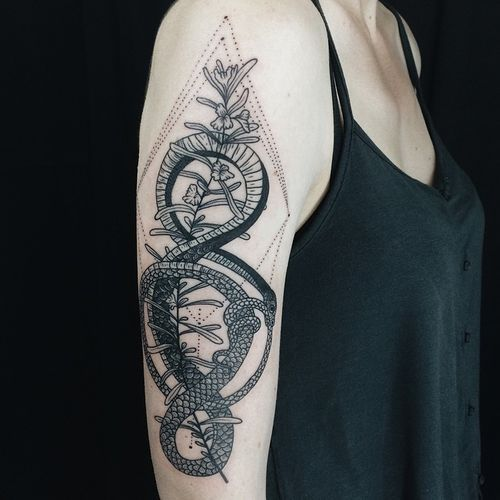 Geometric Snake Tattoo Design: 50 Ouroboros Tattoo Ideas And Meaning // August, 2019