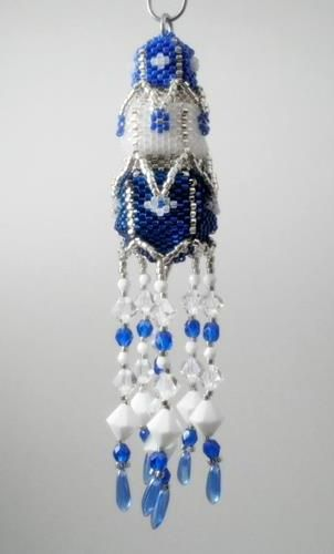 Free pagoda christmas ornament pattern by paula adam featured in bead newsletter - Blaue christbaumkugeln ...
