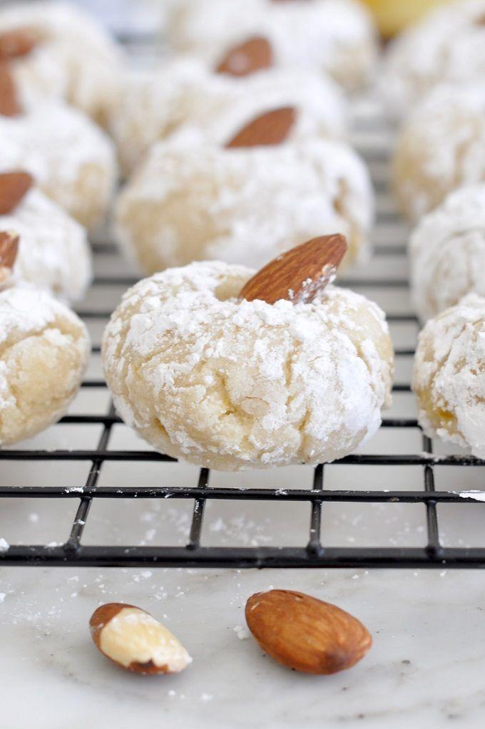 Photo of Italian Almond Cookies – Pasticcini alle Mandorle