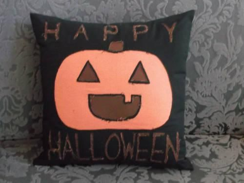 DIY Halloween : DIY Happy Halloween! Reverse appliqu pillow + blind-hemmed lapped zipper