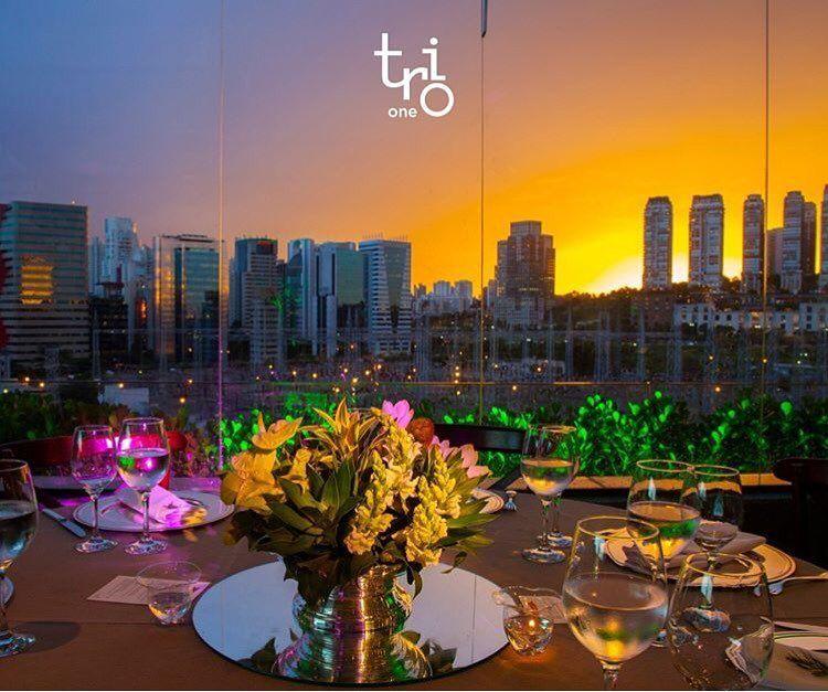 @grupotrio com seu pôr-do-sol direto do espaço TRIO ONE! São 4 casas para você conhecer e se apaixonar! Casamento aniversário bodas... Amo esse lugar! by conexaocasamento