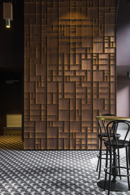 Location Garden State Hotel, Australia. Carpet by