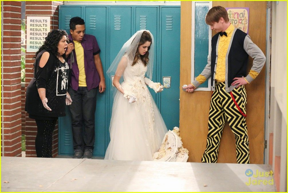 Austin Ally Get Married This Weekend Seriously They Do Austin Ally Wedding Bells Wacky Birds 10 Photo Austin And Ally Austin Wedding Bells